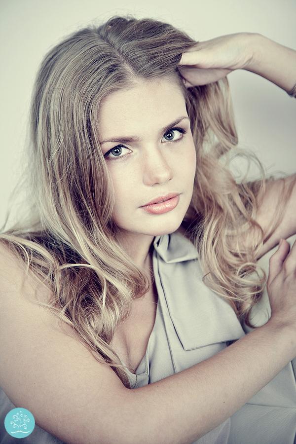 portretnaya-fotosessia-v-studii-10